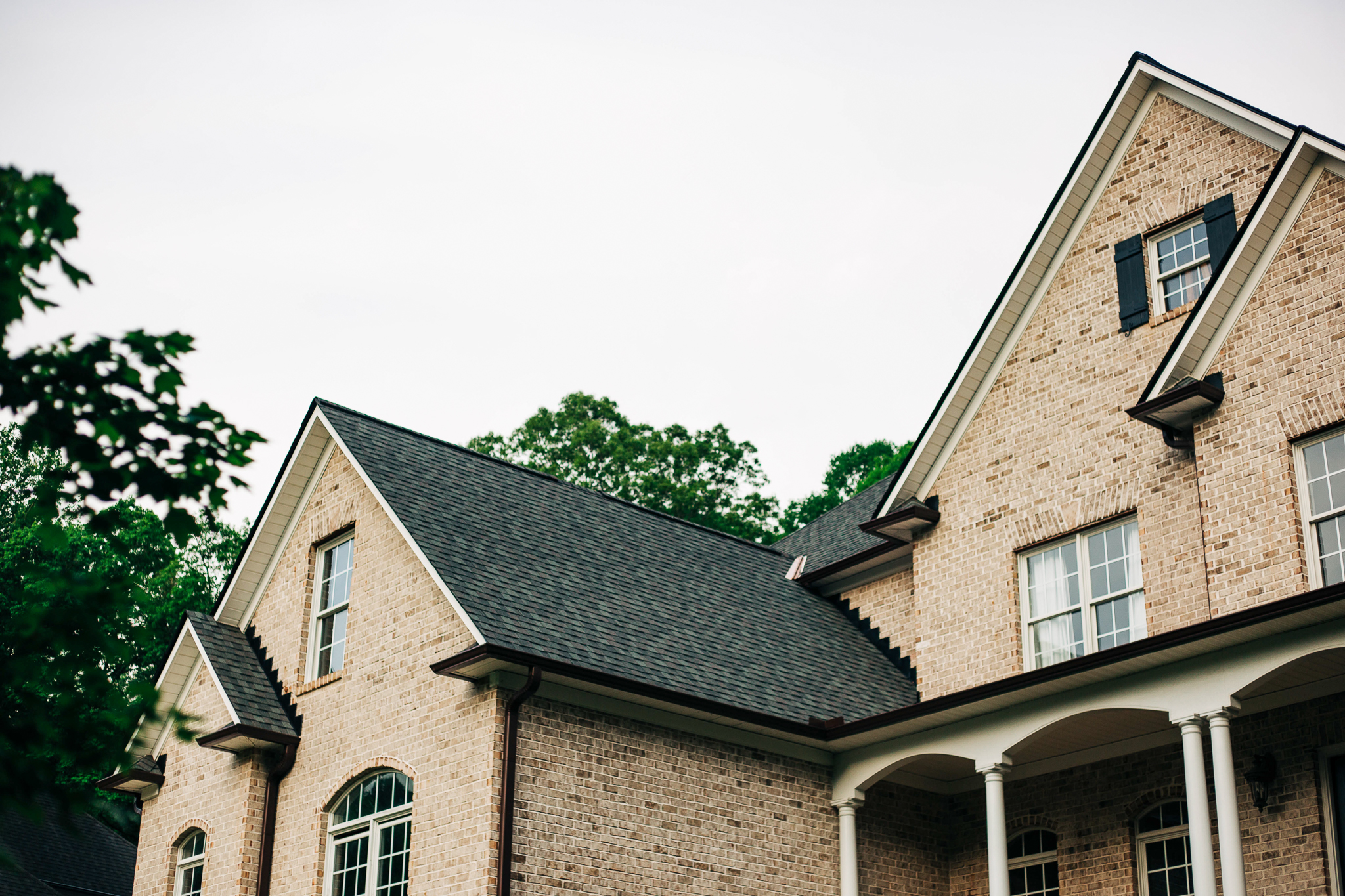Follow our Roof Shingles Pairing Guide!